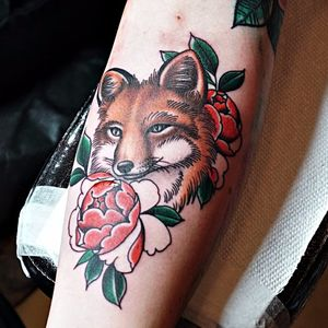 In progress fox tattoo by Becca Genné-Bacon. Photo by Jessica Paige