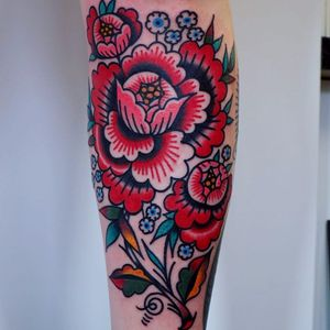 Folksy flowers by Martina #electricmartina #folk #folktraditional #flowers #color #leaves #peony #tattoooftheday