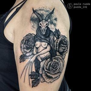 Por Paula Rueda! #PaulaRueda #tatuadorasbrasileiras #tattoobr #tattoodobr #tatuadorasdobrasil #blackwork #darkart #sketch #chifres #horns