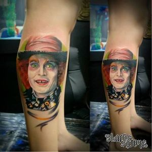 Chapeleiro maluco! #alice #aliceNoPaisDasMaravilhas #AliceInWonderland #nerd #JohnnyDepp #KlebyzTattoo #KlebyzSoares #comics #comicsRealista #realismo #realismoColorido #colorido #colorful #ElectricInk #InkTeam