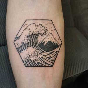 Great Wave Tattoo by Jan Willem #greatwave #greatwaveoffkanagawa #japanese #traditionaljapanese #irezumi #JanWillem
