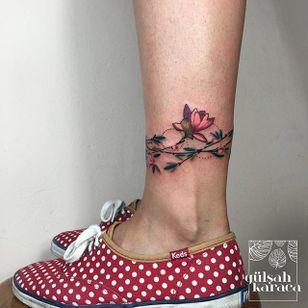Conceptual floral anklet tattoo by Gülşah Karaca. #GulsahKaraca #illustrative #graphic #technicolor #geometric #anklet #flower #floral