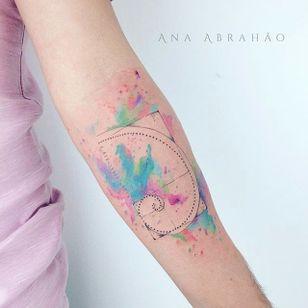 Fine line tattoo by Ana Abrahão. #AnaAbrahao #fineline #subtle #pastel #girly #goldenratio #pretty