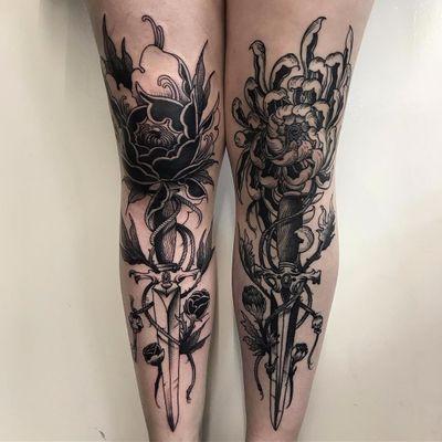 Swords in the flowers by Scott Move #ScottMove #blackwork #chrysanthemum #flower #sword #dagger #knife #rope #floral #nature #leaves #ivy #skull #rosebuds #tattoooftheday
