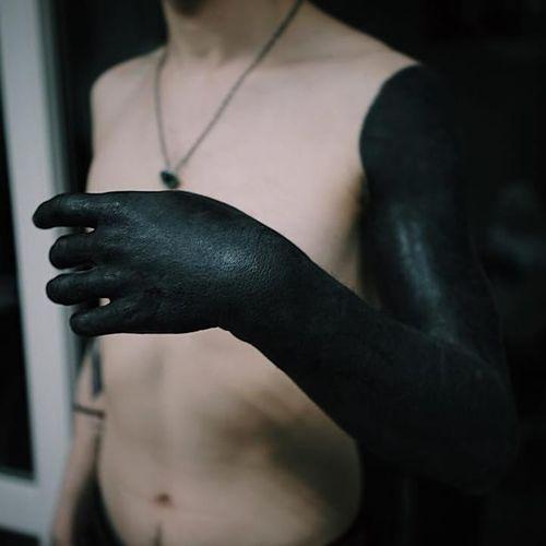 Full black arm tattoo by Deni Aktemirov #deniaktemirov #blackworktattoo #blackwork #blackfill #blacksleeve #sleeve