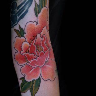 Peony Tattoo by Jan Willem #peony #japanesepeony #japanese #traditionaljapanese #irezumi #JanWillem