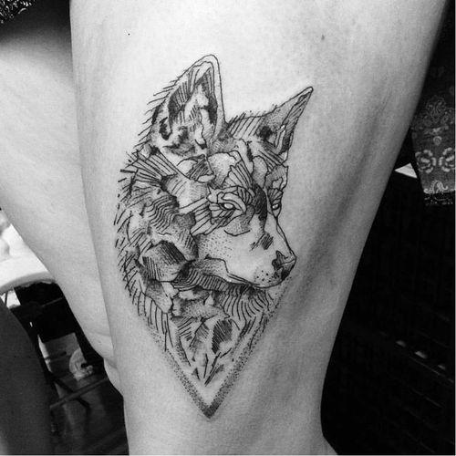 #lobo #wolf #BrokenInked #Brokenink #blackwork #pontilhismo #dotwork  #curitiba #brasil #TatuadorasDoBrasil