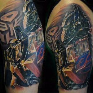 #ChadChase #Transformers #transformerstattoo #optimusprime #autobots #filmes #games #nerd #robôs #robots