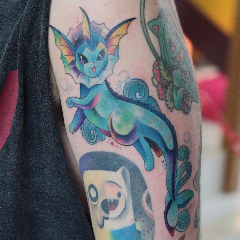 Por Deh Soares! #DehSoares #TatuadorasBrasileiras #vaporeon #pokemon