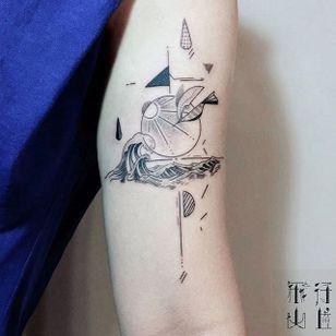Geometric semi-abstract wave tattoo by Hill. #Hill #HillTattoo #geometric #semiabstract #wave