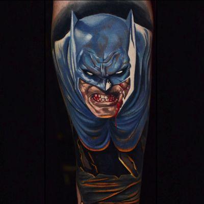 Ben Ochoa's Frank-Miller-style depiction of Batman based on an illustration by Ben Oliver (IG—ben_ochoa). #Batman #BenOchoa #color #comicbooks #DC #portraiture