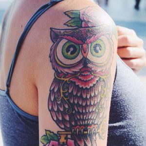 Neo traditional owl tattoo #owl #bird #coloredowl #neotraditional #shoulder #neotraditionalowl #StreetStyle