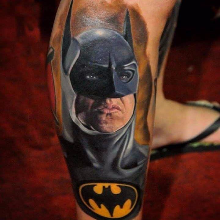 Por Deley Tattoo! #DeleyTattoo #TatuadoresBrasileiros #Realism #realistictattoo #batman #batmantattoo #dc #dccomics