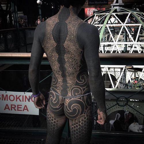 Gakkin. (Instagram: @gakkinx) #largescale #blackwork #bodysuit #backpiece #Gakkin