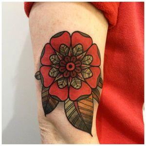 Traditional flower tattoo #RockyZéro #flower #traditional #traditionalflower #floral