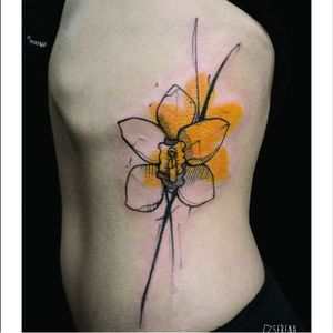 Daffodil tattoo by Serena Caponera #SerenaCaponera #illustrative #blackwork #sketch #graphic #daffodil #flower