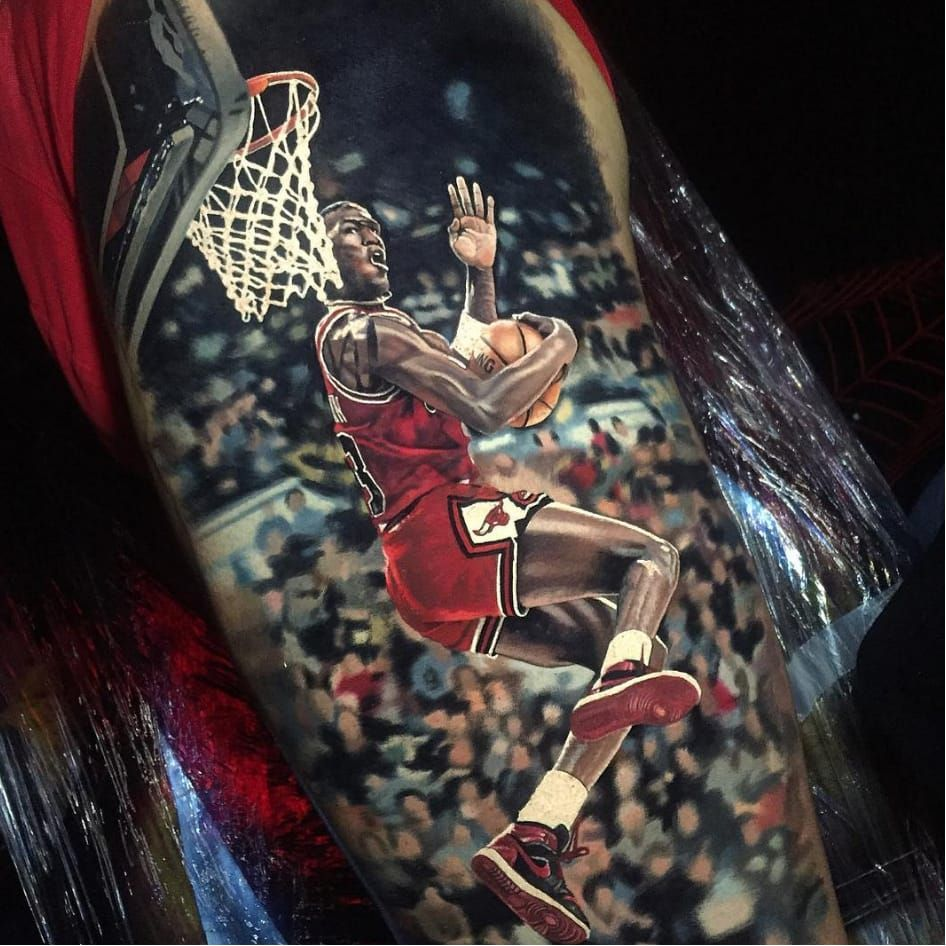 Backwards slam. By Steve Butcher (via IG - stevebutchertattoos) #SteveButcher #Sports #Portraits #MichaelJordan #Jordan