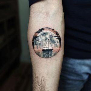 Full Moon by Serkan Demirboğa (via IG-serkandemirboga) #surrealism #fineline #color #blackandgrey #SerkanDemirboga