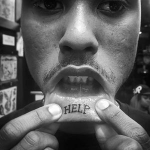 This tattoo is a cry for something #liptattoo #help