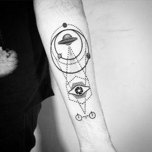 UFO geometric tattoo by Daniel Matsumoto @Daaamn_ #DanielMatsumoto #Black #Blackwork #Linework #Linear #Geometric #Nature #Japan #UFO #UFOTattoo