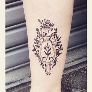 Baby Beaver by Lilly Anchor (via IG-lillyanchor) #flora #fauna #animals #flowers #lillyanchor #illustrative #linework