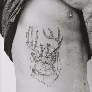 Dissecting a deer's antlers. Tattoo by Jasper Andres. #JasperAndres #geometry #nature #deer