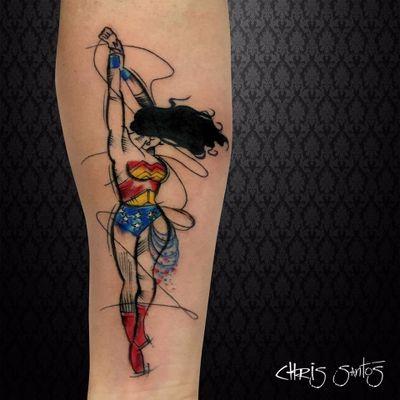 Linda tattoo por Chris Santos. #ChrisSantos #WonderWoman #MulherMaravilha #DC #DCcomics #geek #nerd #girlpower #nerdpride #orgulhonerd #tatuadoresdobrasil