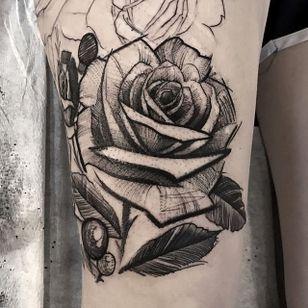 Rose by Mike Riina (via IG-mike_riina) #sketch #freehand #blackandgrey #illustrative #rose #MikeRiina #flower