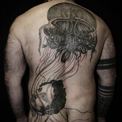 Jellyfish and floating head tattoo by Pietro Sedda #PietroSedda #backpiecetattoos #blackandgrey #surreal #darkart #illustrative #jellyfish #head #man #portrait #oceanlife