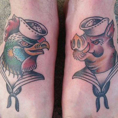 Ethan Chandler's take on the classic pig and rooster tattoo (IG—ethan_smt). #EthanChandler #pig #pigandrooster #rooster #traditional