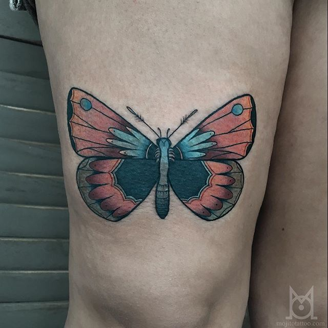 Butterfly Tattoo by Morgane Jeane #butterfly #butterflytattoo #contemporarytattoos #delicatetattoo #moderntattoo #colorful #colorfultattoo #bestattoos #frenchtattoo #MorganeJeane