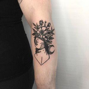 F***en' fancy foliage face tattoo by Tommy Oh. #TommyOh #blackwork #floral #flower #portrait