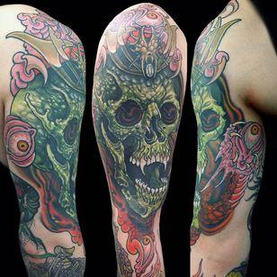 Tattoo by Wendy Pham #WendyPham #TaikoGallery #WenRamen #newtraditional #color #Japanese #mashup #demon #yokai #monster #fangs #eyes #eyeballs #crown #horns #skull #skeleton #death #claws