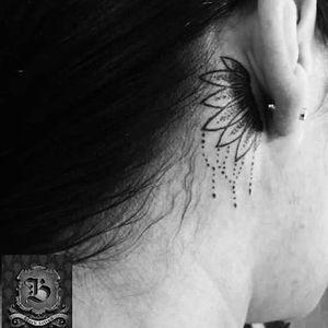 Por Maiara Moura! #MaiaraMoura #TatuadorasBrasileiras #delicate #delicatetattoo #delicada #tattoodelicada