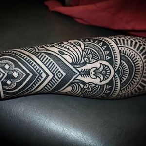 Dotwork sleeve. (via IG - alexiscalvie) #dotwork #geometric #sleeve #largescale #alexiscalvie