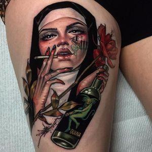 Amém, né #HannahFlowers #gringa #neotrad #neotraditional #woman #mulher #lady #dama #freira #nun #bebida #drink #garrafa #bottle #cigarro #cigarette #rose #rosa #flor #flower #inkedgirl #mulhertatuada
