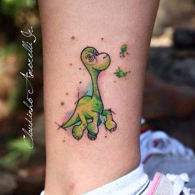 #ClaudinhoAmorelli #tatuadoresdobrasil #coloridas #colorful #sketch #aquarela #watercolor #obomdinossauro #dinosaur #dino #filmes #movies