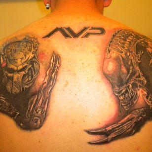 Alien vs Predator back piece #alien #predator #paulwsanderson