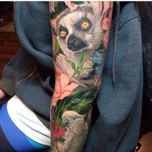 Lemur as part of an animal sleeve by Frederick Bain. #realism #colorrealism #lemur #sleeve #cockatoo #FrederickBain #nature #animal