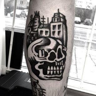 Skull Tattoo by Roblake #skull #skulltattoo #blackwork #blackworktattoo #blackworktattoos #blackworkartists #blackworkdesigns #ignorantblackwork #ignoranttattoo #ignorantstyletattoo #darktattoo #darktattoos #Roblake