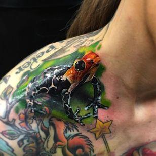 "I hope this cute lil' guy isn't poisonous. Tattoo by John ""Yogi"" Barett. (Via IG - yogi_barrett) #colorrealism #JohnBarrett #frog"