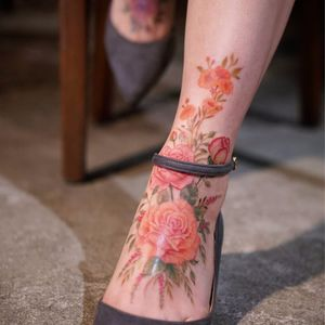 Flowers bloom where she walks by Silo #Silo #silotattoo #tattooist_silo #flowers #roses #watercolor #color #rosebud #leaves #natural #tattoooftheday