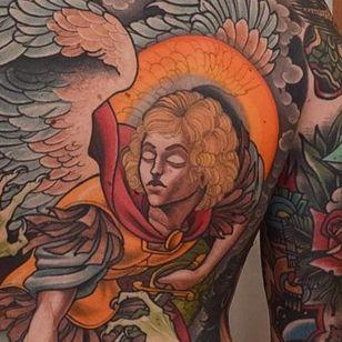 A closeup of Michael in Peter Lagergren's back-piece of the war of the angels (IG—peterlagergren). #backpiece #Christian #dragon #Lucifer #Michael #neotraditional #PeterLagergren #Satan #WaroftheAngels