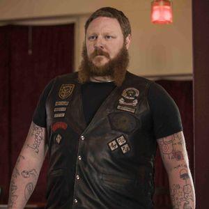 Photo found on IMDb. #EddieBaroo #tattooedcelebrity #tattooeddad #kidsdrawing