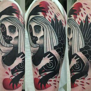 Black and red semi-abstract tattoo by Łukasz Sokołowski. #LukaszSokolowski #semiabstract #blackandred #abstract #graphic #conceptual #woman #bird
