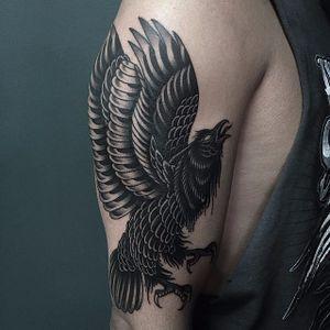 Raven Tattoo by Jay Breen #raven #bird #raventattoo #traditional #traditionaltattoo #oldschool #classictattoos #traditionalartist #JayBreen