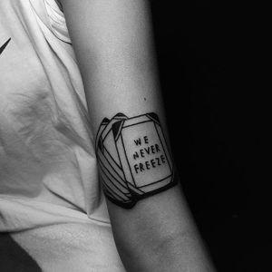 Linework tattoo by Popo. #Popo #linework #doodle #southkorean #simple #blackwork #cards