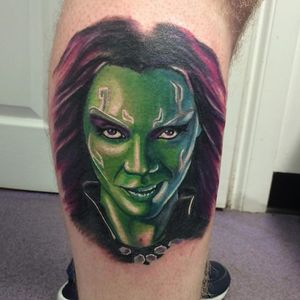 A color portrait of Gamora by Misha Connell (IG—mishipopstattoo). #Gamora #GuardiansoftheGalaxy #MishaConnell #nerdytattoos #portraiture #realism