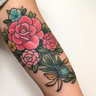 Jewel of a rose by Tilly Dee #TillyDee #color #neotraditional #rose #peony #daisy #flower #jewel #gem #sparkle #leaves #bouquet #nature #tattoooftheday