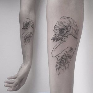 Lindo trabalho por Farfalla Ink! #FarfallaInk #tatuadorasbrasileiras #Brasil #SãoPaulo #TattooBr #blackwork #fineline #whiteink #whitedetails #woman #flor #flores #flower #flowers #nature #natureza #delicate #delicada
